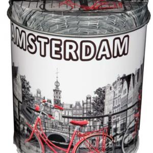 Stroopwafels in Amsterdam blik met grachten