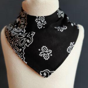 Zeeuws kwijldoekje zakdoek zwart design