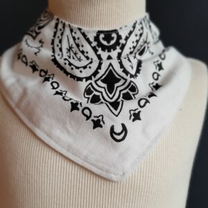 Zeeuws kwijldoekje zakdoek wit design