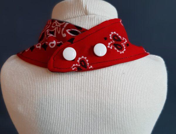 Kwijldoekje rood zakdoek design 2